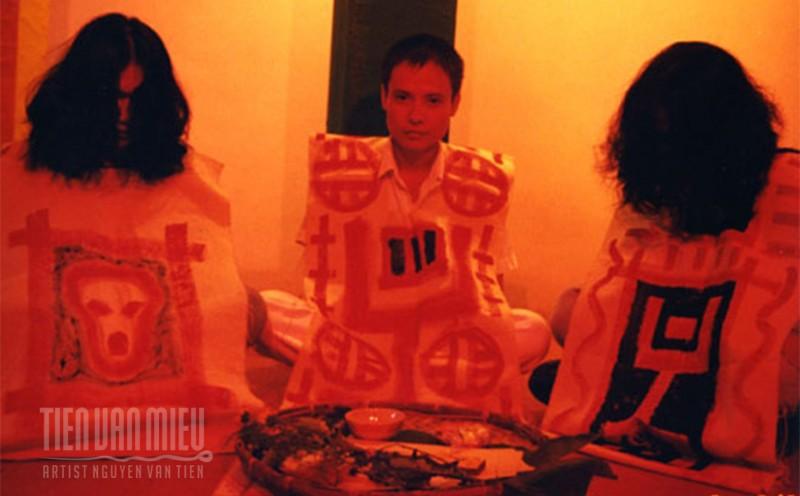 """Triển lãm """"Tôi ơi"""" của Nguyễn Văn Tiến  Nghệ thuật dành cho …. Thế giới bên kia?"""